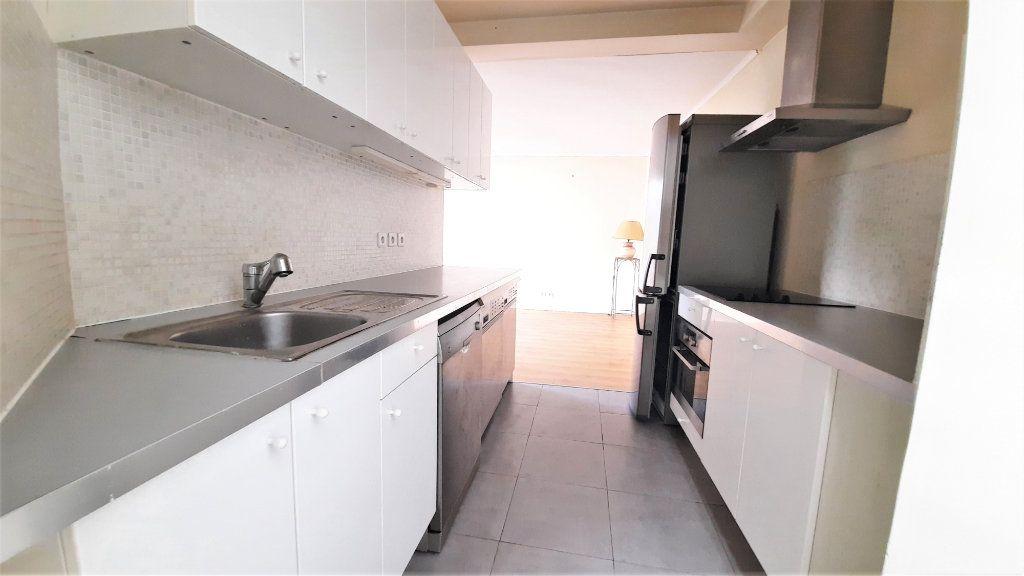 Appartement à vendre 2 45.33m2 à Paris 18 vignette-9