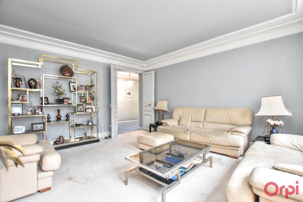 Appartement à vendre 5 125m2 à Paris 9 vignette-4