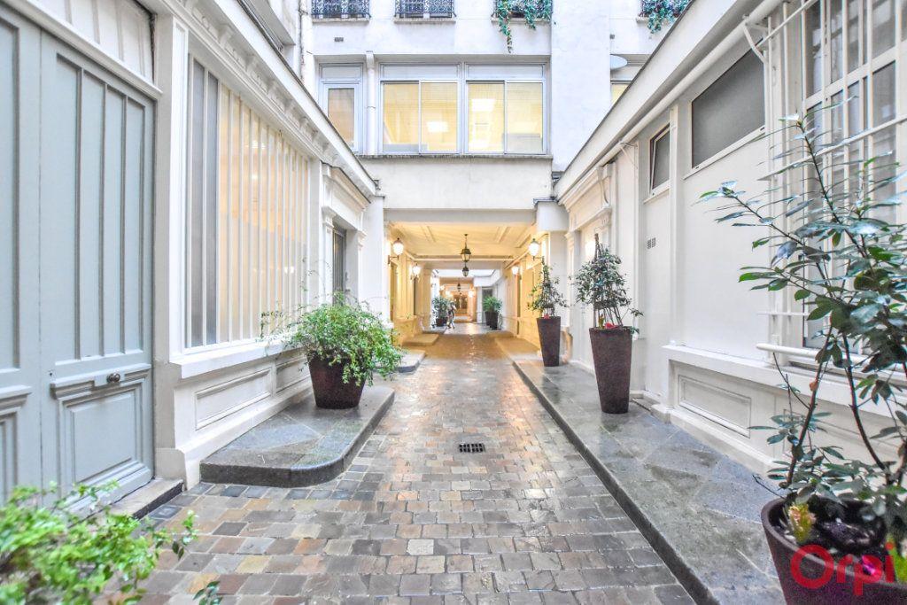 Appartement à vendre 5 125m2 à Paris 9 vignette-13
