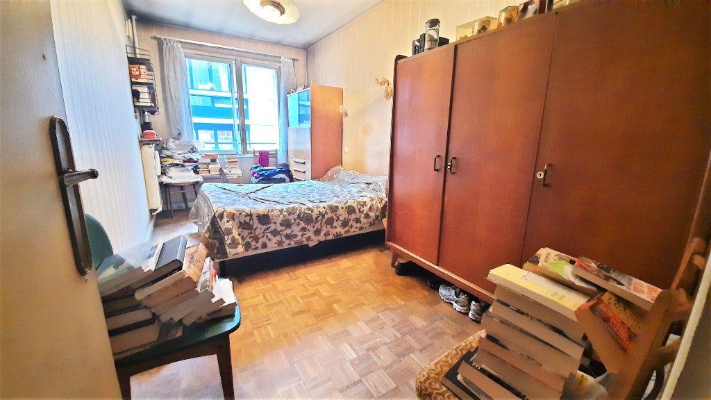 Appartement à vendre 4 81.15m2 à Paris 18 vignette-4
