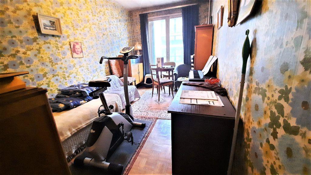 Appartement à vendre 4 81.15m2 à Paris 18 vignette-8