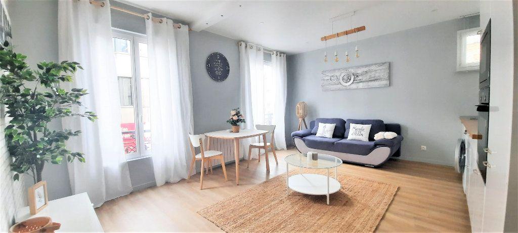 Appartement à vendre 2 40.39m2 à Paris 18 vignette-5