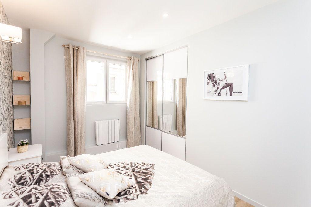 Appartement à vendre 2 40.39m2 à Paris 18 vignette-6