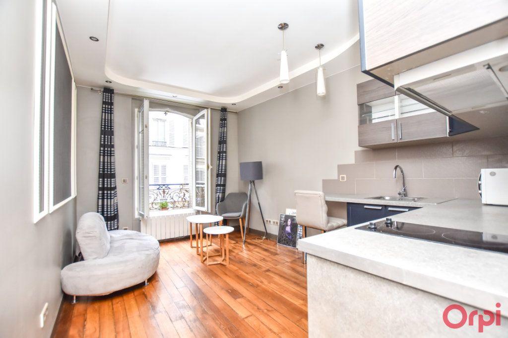 Appartement à vendre 2 33m2 à Paris 18 vignette-2