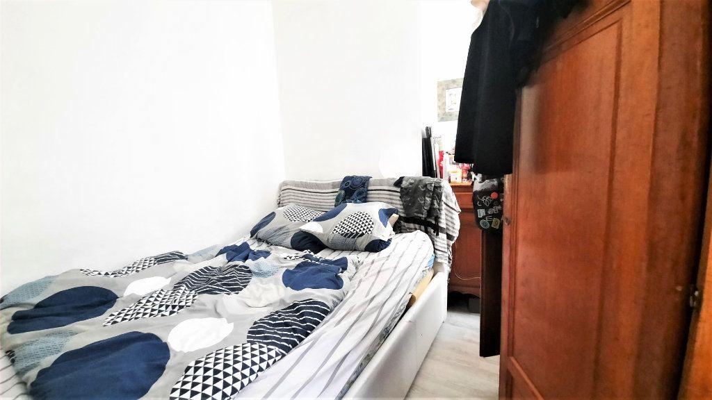 Appartement à vendre 2 36.25m2 à Paris 18 vignette-5