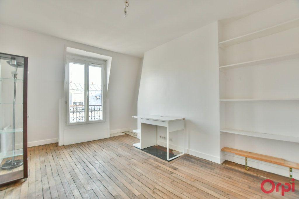 Appartement à vendre 2 30.82m2 à Paris 18 vignette-3