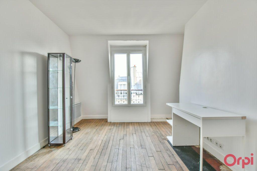 Appartement à vendre 2 30.82m2 à Paris 18 vignette-9
