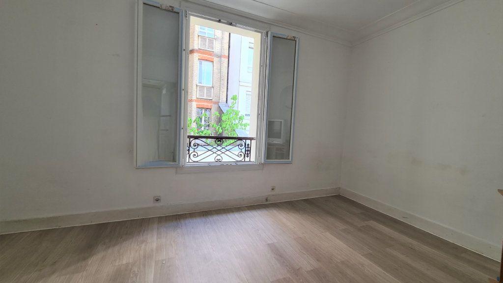 Appartement à vendre 2 36.19m2 à Paris 18 vignette-2