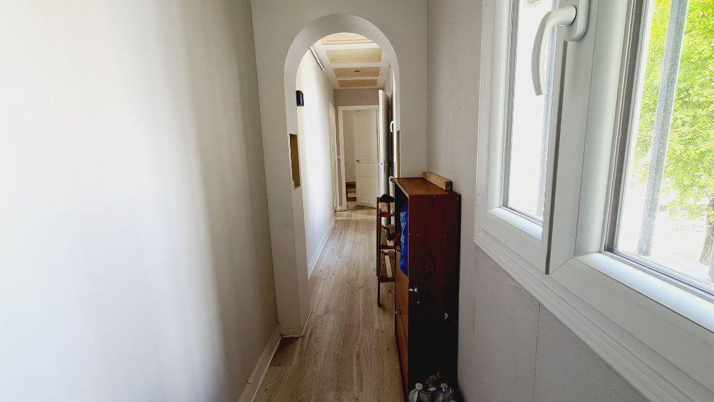 Appartement à vendre 2 36.19m2 à Paris 18 vignette-6