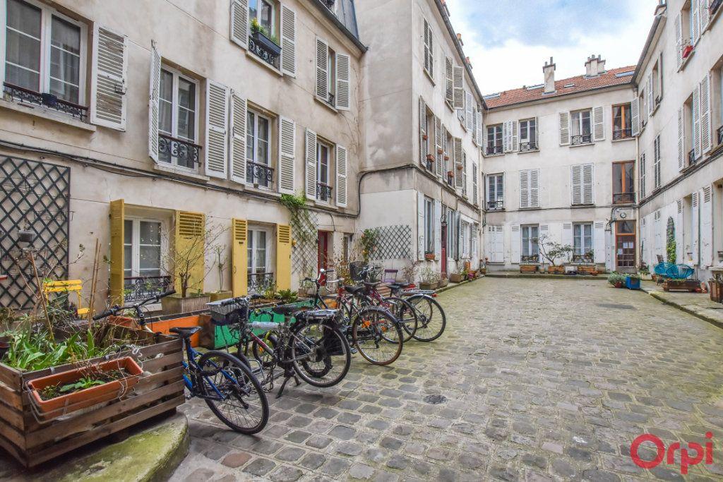 Appartement à vendre 2 29.01m2 à Paris 18 vignette-3