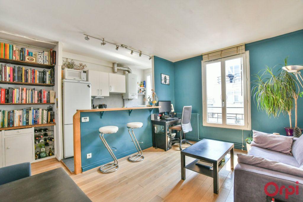 Appartement à vendre 2 39.53m2 à Paris 18 vignette-1
