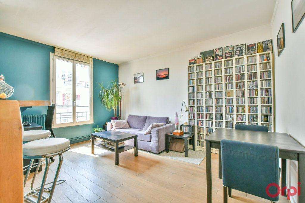 Appartement à vendre 2 39.53m2 à Paris 18 vignette-2