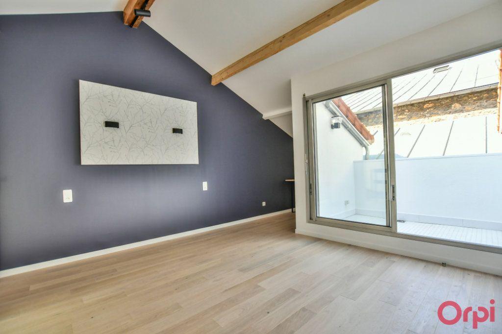 Appartement à vendre 4 93m2 à Paris 18 vignette-4