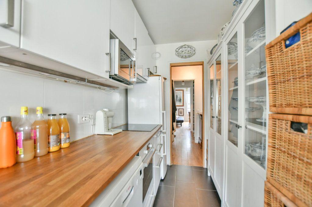 Appartement à vendre 3 70m2 à Paris 18 vignette-6