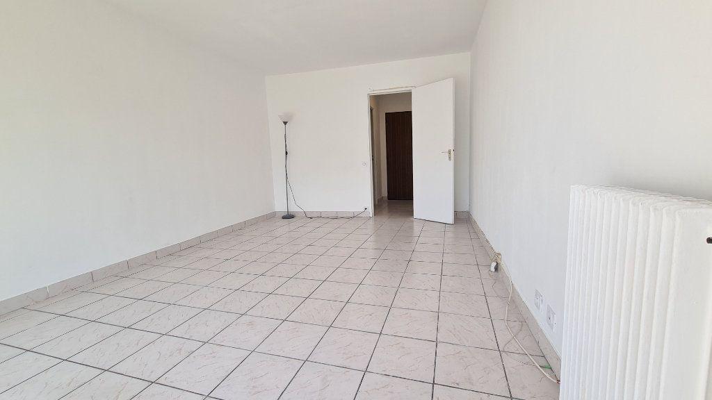 Appartement à vendre 1 22m2 à Paris 18 vignette-4
