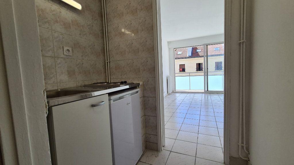 Appartement à vendre 1 22m2 à Paris 18 vignette-7