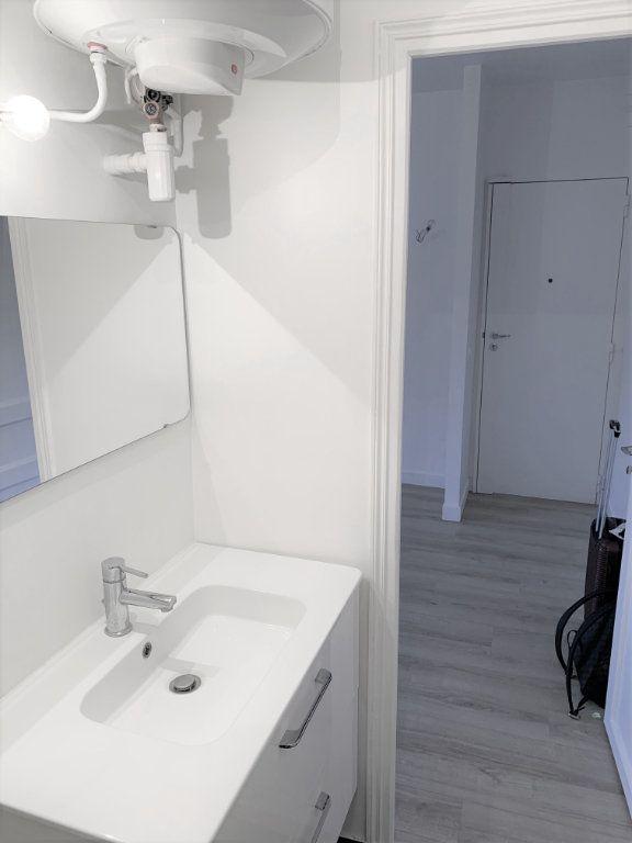 Appartement à vendre 1 19.75m2 à Paris 18 vignette-3