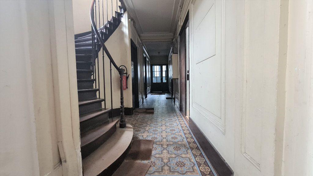Appartement à vendre 3 49.71m2 à Paris 19 vignette-7