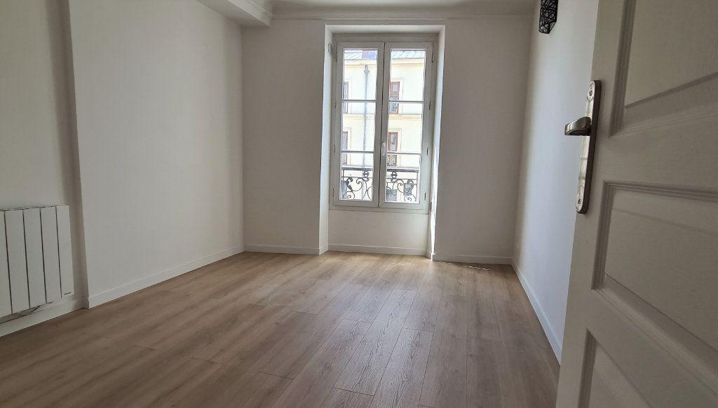 Appartement à vendre 2 30.6m2 à Paris 19 vignette-3