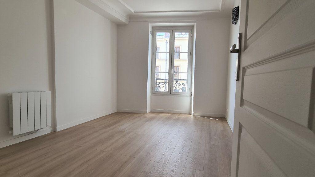 Appartement à vendre 2 30.6m2 à Paris 19 vignette-5