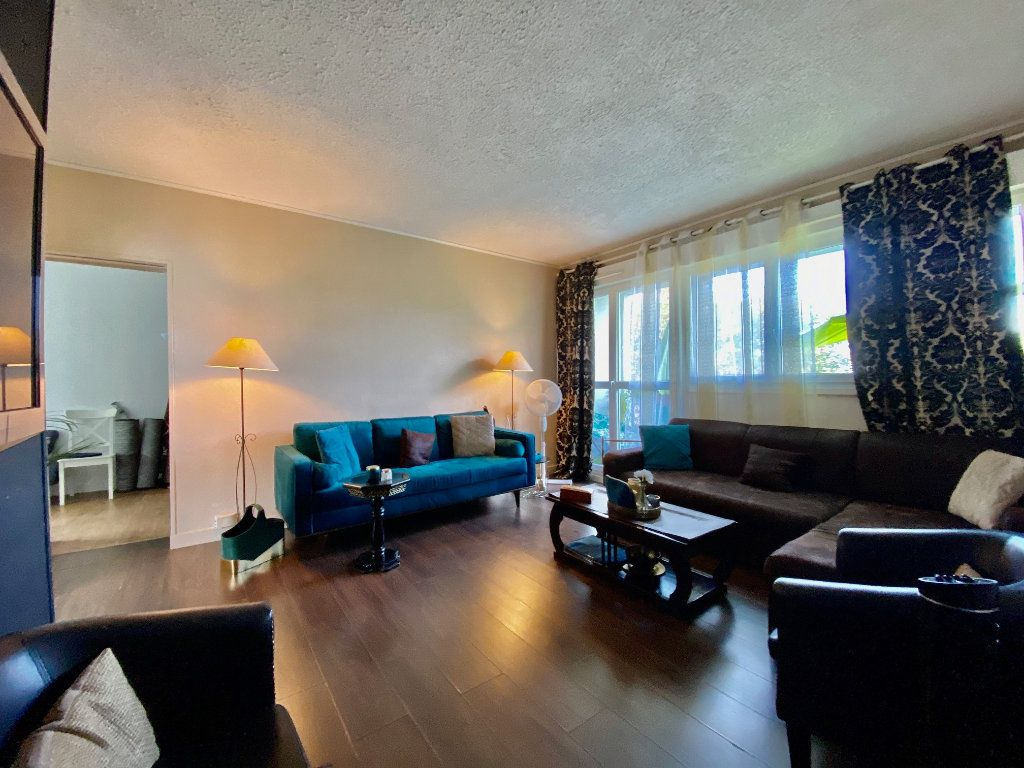 Appartement à vendre 3 56m2 à Aubergenville vignette-1