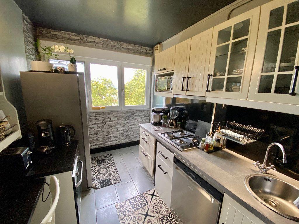Appartement à vendre 3 56m2 à Aubergenville vignette-3