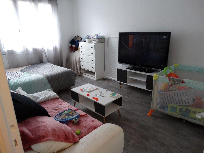 Appartement à louer 1 32.85m2 à Mézières-sur-Seine vignette-1