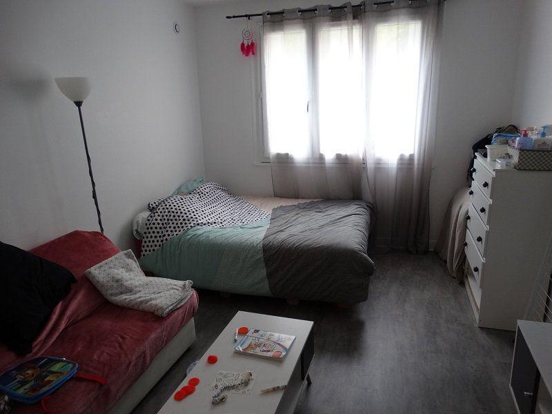 Appartement à louer 1 32.85m2 à Mézières-sur-Seine vignette-2
