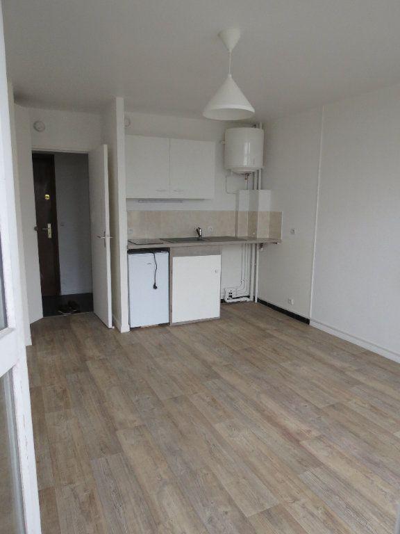Appartement à louer 1 20.77m2 à Aubergenville vignette-3