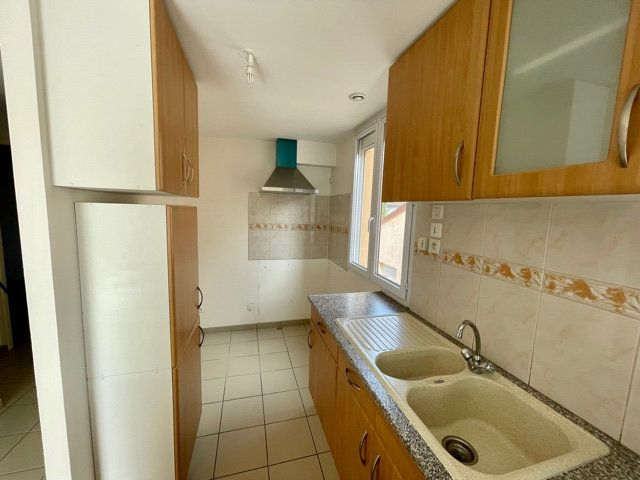 Appartement à louer 3 60.6m2 à Mézières-sur-Seine vignette-4
