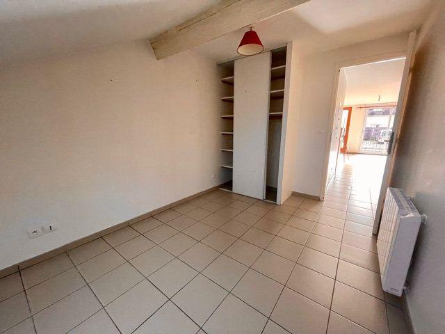 Appartement à louer 3 60.6m2 à Mézières-sur-Seine vignette-6