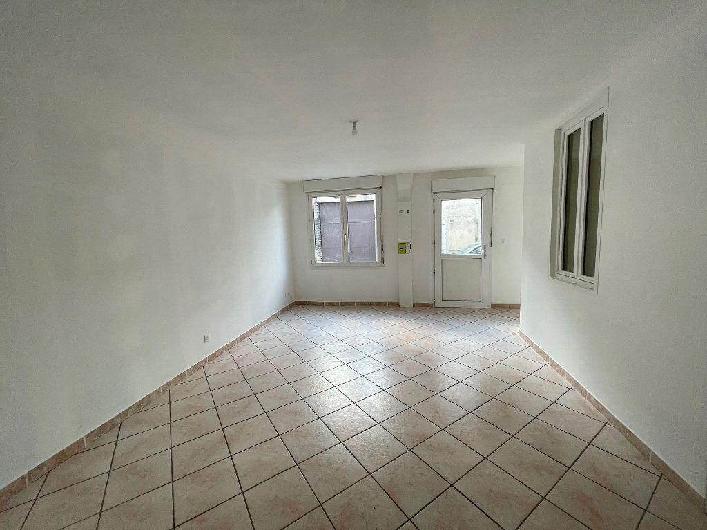 Appartement à louer 2 51.66m2 à Nézel vignette-1