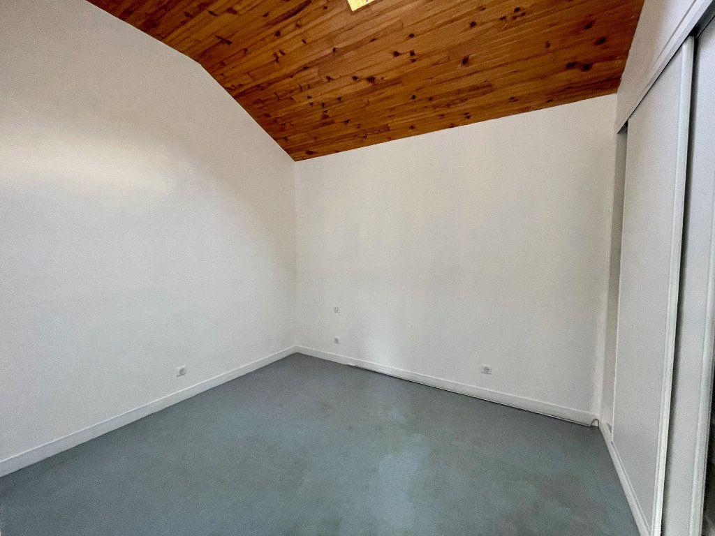 Appartement à louer 2 46.94m2 à Nézel vignette-3