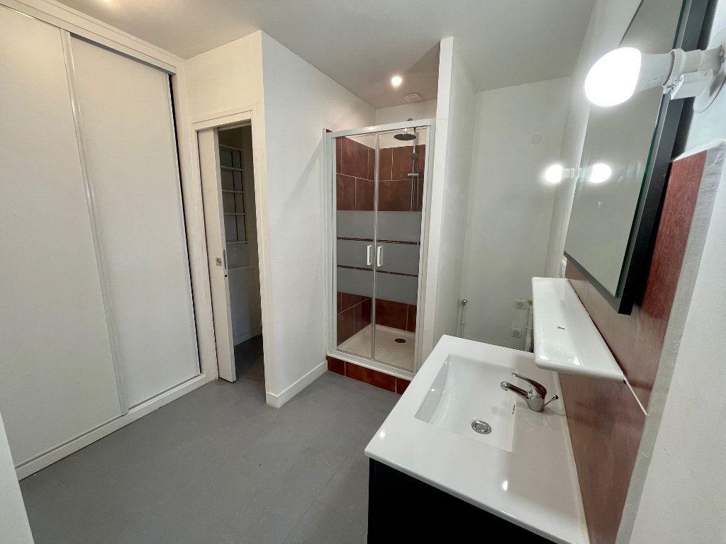 Appartement à louer 2 46.94m2 à Nézel vignette-5