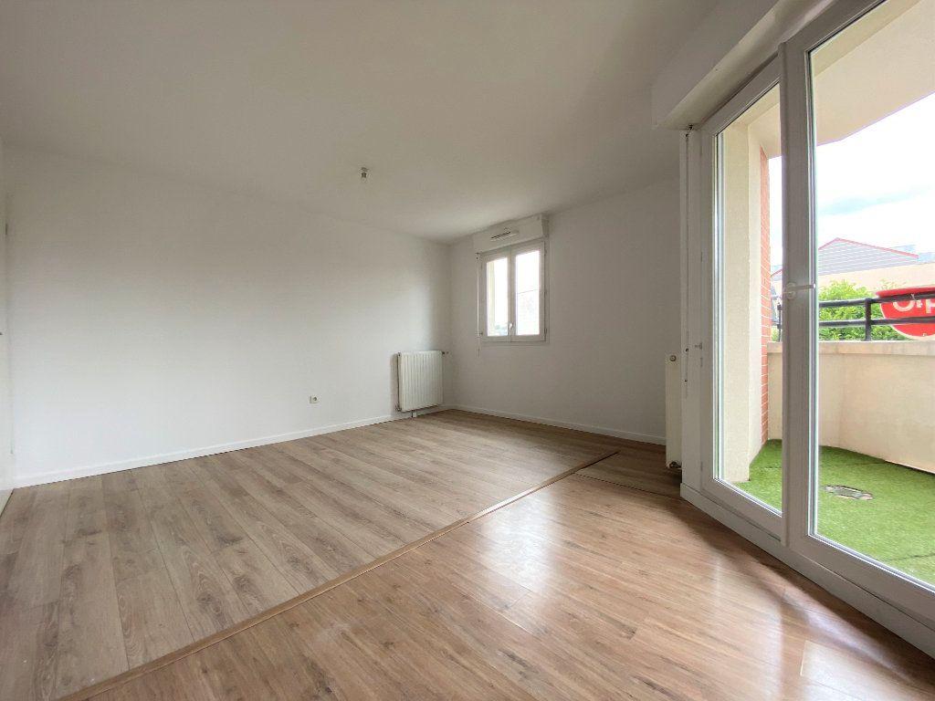Appartement à vendre 4 79.98m2 à Neuilly-sur-Marne vignette-5