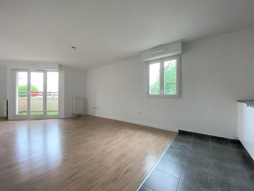 Appartement à vendre 4 79.98m2 à Neuilly-sur-Marne vignette-6