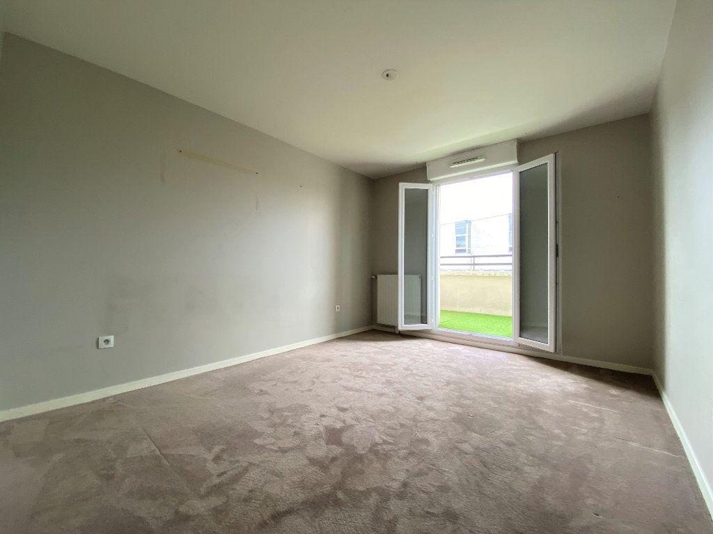 Appartement à vendre 4 79.98m2 à Neuilly-sur-Marne vignette-8