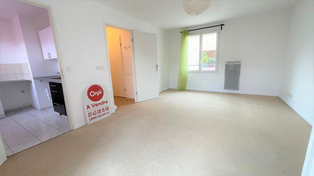 Appartement à vendre 2 42m2 à Neuilly-sur-Marne vignette-2