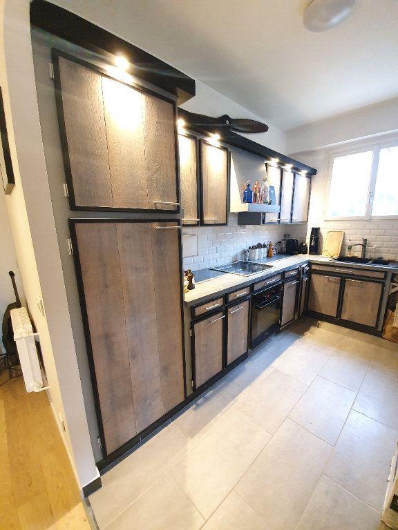 Appartement à vendre 2 69.91m2 à La Varenne - Saint-Maur-des-Fossés vignette-4
