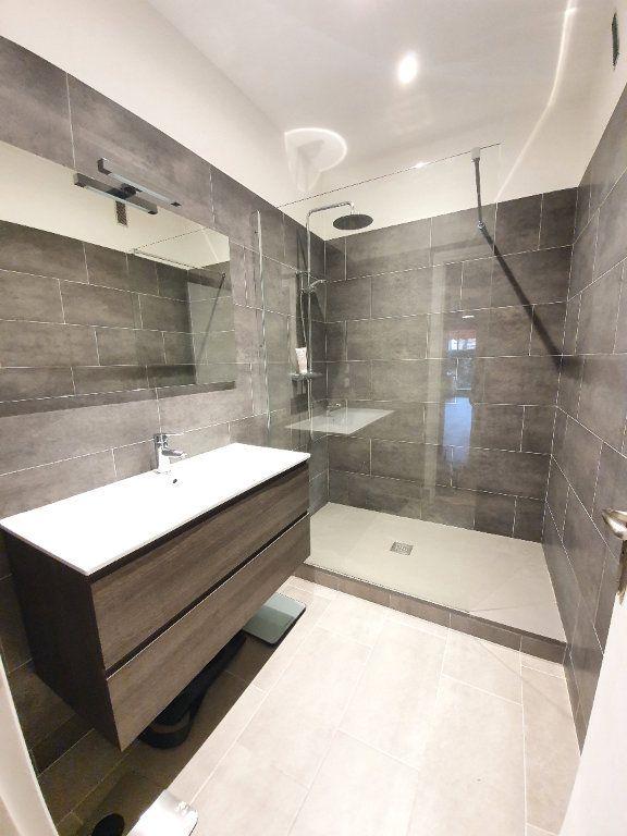 Appartement à vendre 2 69.91m2 à La Varenne - Saint-Maur-des-Fossés vignette-5