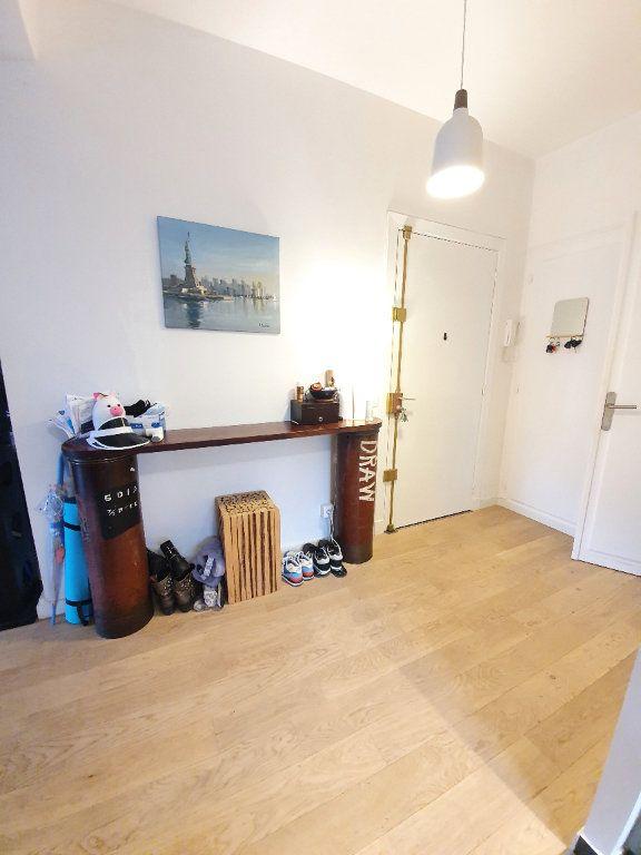 Appartement à vendre 2 69.91m2 à La Varenne - Saint-Maur-des-Fossés vignette-6