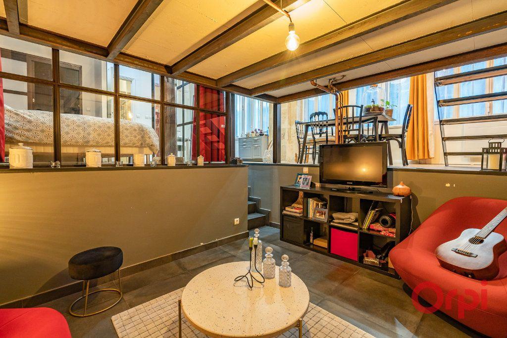 Appartement à vendre 2 68.39m2 à Paris 3 vignette-4