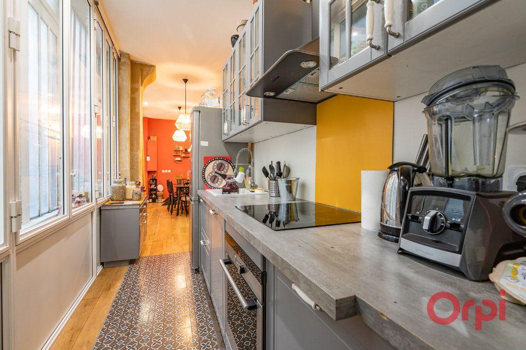 Appartement à vendre 2 68.39m2 à Paris 3 vignette-7