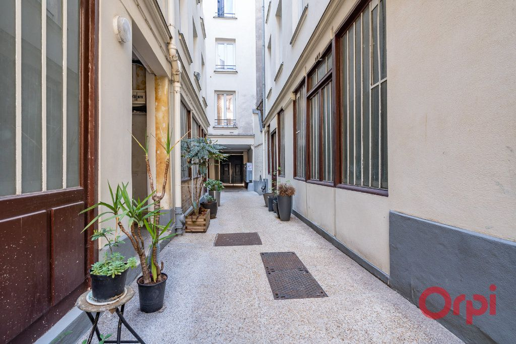 Appartement à vendre 2 68.39m2 à Paris 3 vignette-8