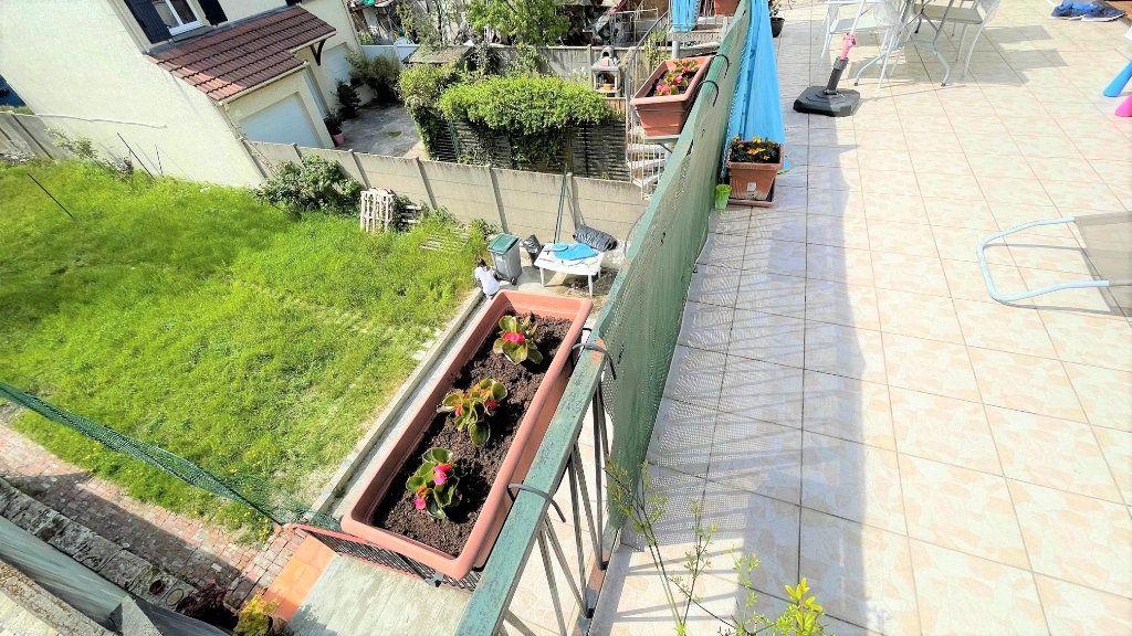 Appartement à vendre 3 64.38m2 à Rosny-sous-Bois vignette-1