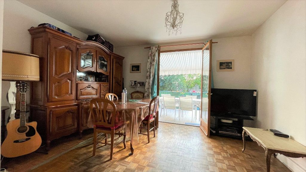 Appartement à vendre 3 64.38m2 à Rosny-sous-Bois vignette-5