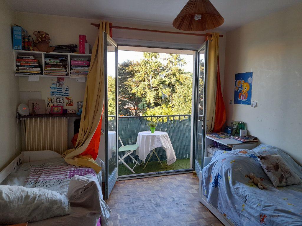 Appartement à vendre 3 64.38m2 à Rosny-sous-Bois vignette-7