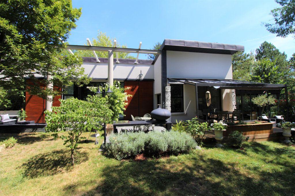 Maison à vendre 10 268m2 à Saint-Thibault-des-Vignes vignette-1