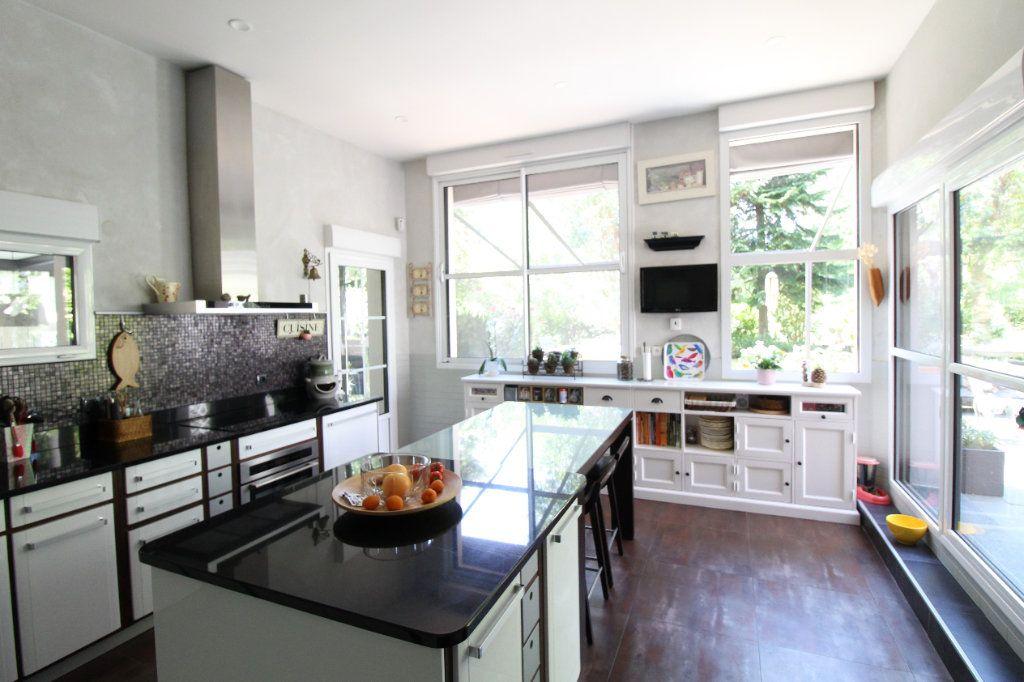 Maison à vendre 10 268m2 à Saint-Thibault-des-Vignes vignette-7