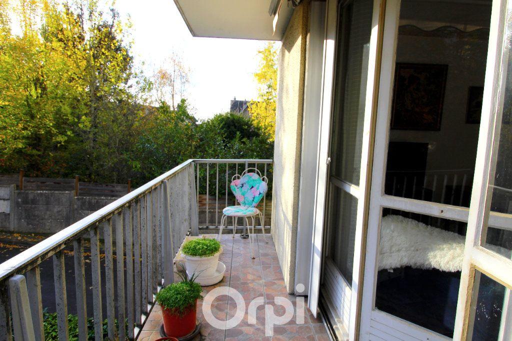Appartement à vendre 3 63m2 à Lagny-sur-Marne vignette-2